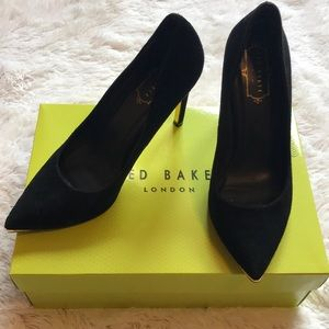 Ted Baker point toe pump